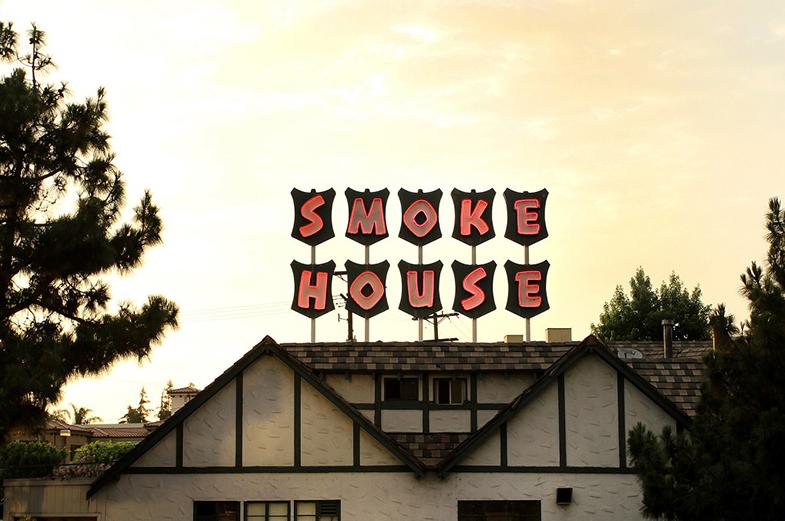 SMOKE HOUSE